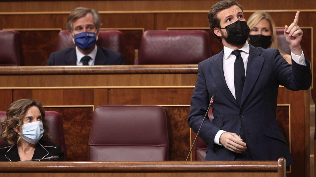 """Casado acusa a Sánchez de """"subvertir la legalidad"""" y  le pide el cese de su """"Gobierno radical"""" por los ataques al rey"""