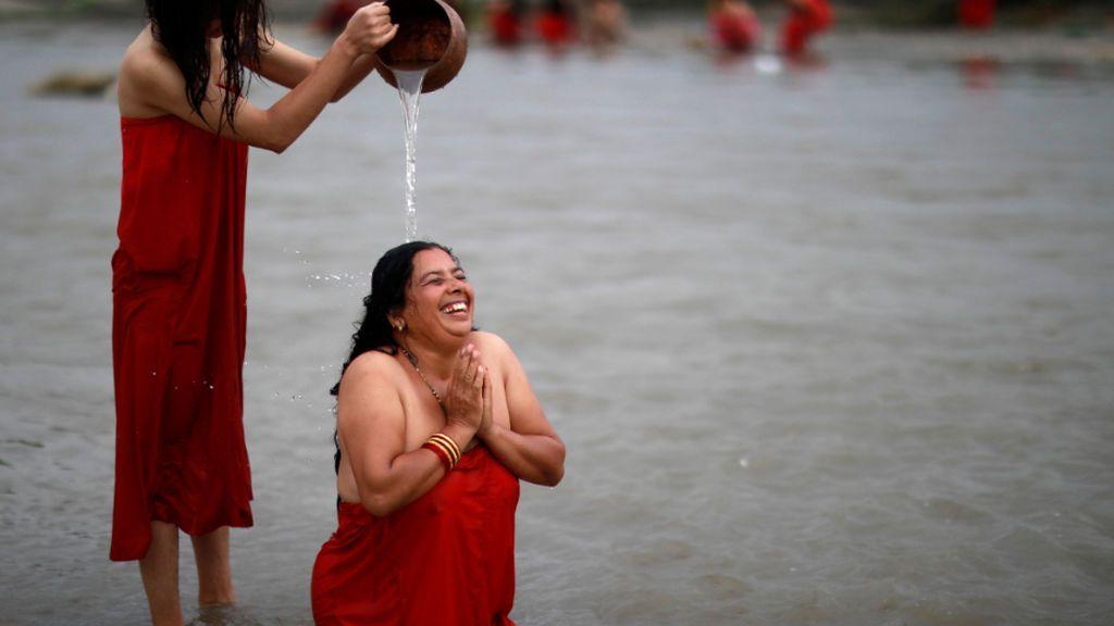 """Rojo """"periodo"""": el nuevo tono de Pantone para combatir el tabú de la menstruación"""