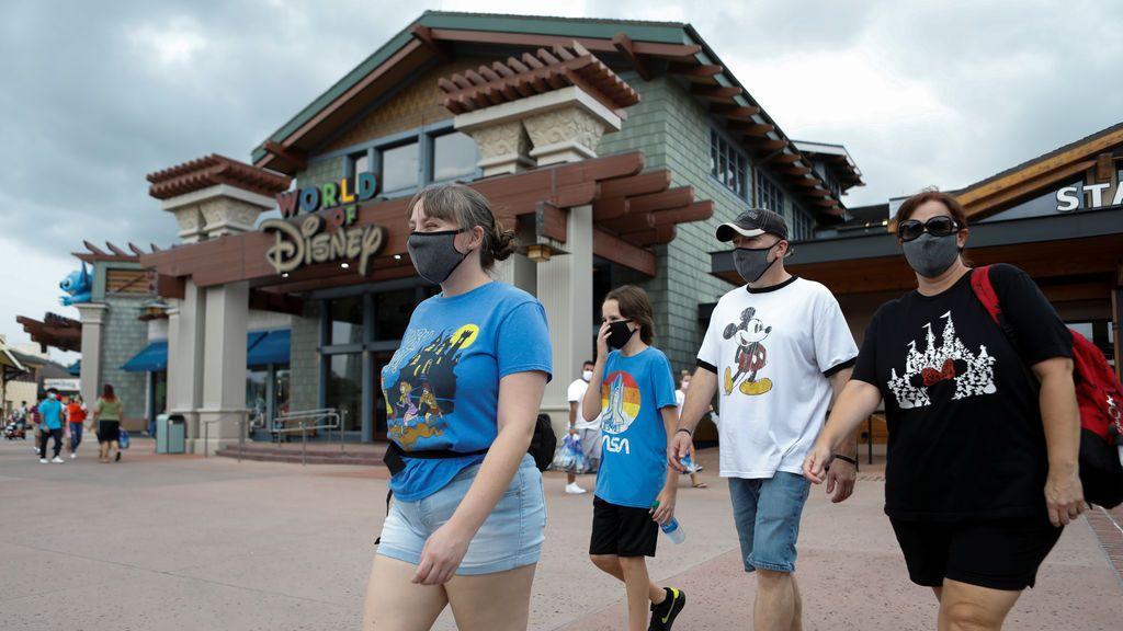 Walt Disney despedirá a 28.000 trabajadores por el cierre de parques temáticos en EE.UU.
