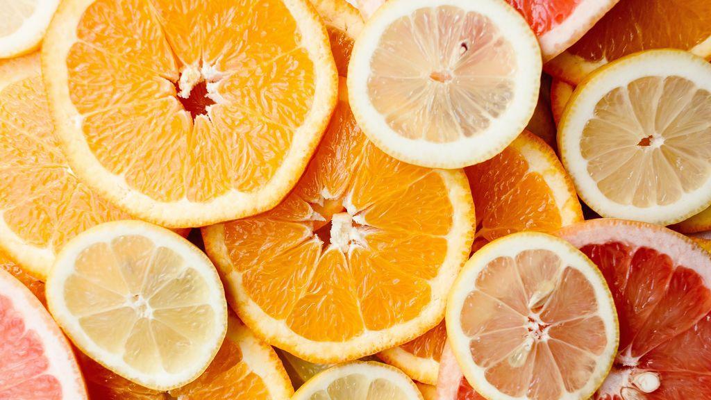 Naranjas, limones y pomelos.