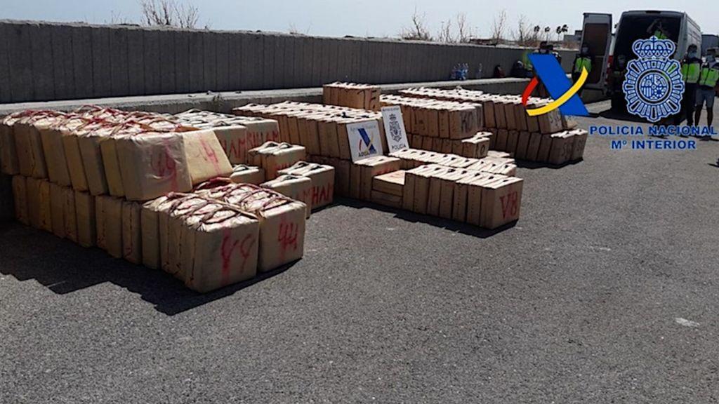 Parte de la droga intervenida, en el puerto de Algeciras
