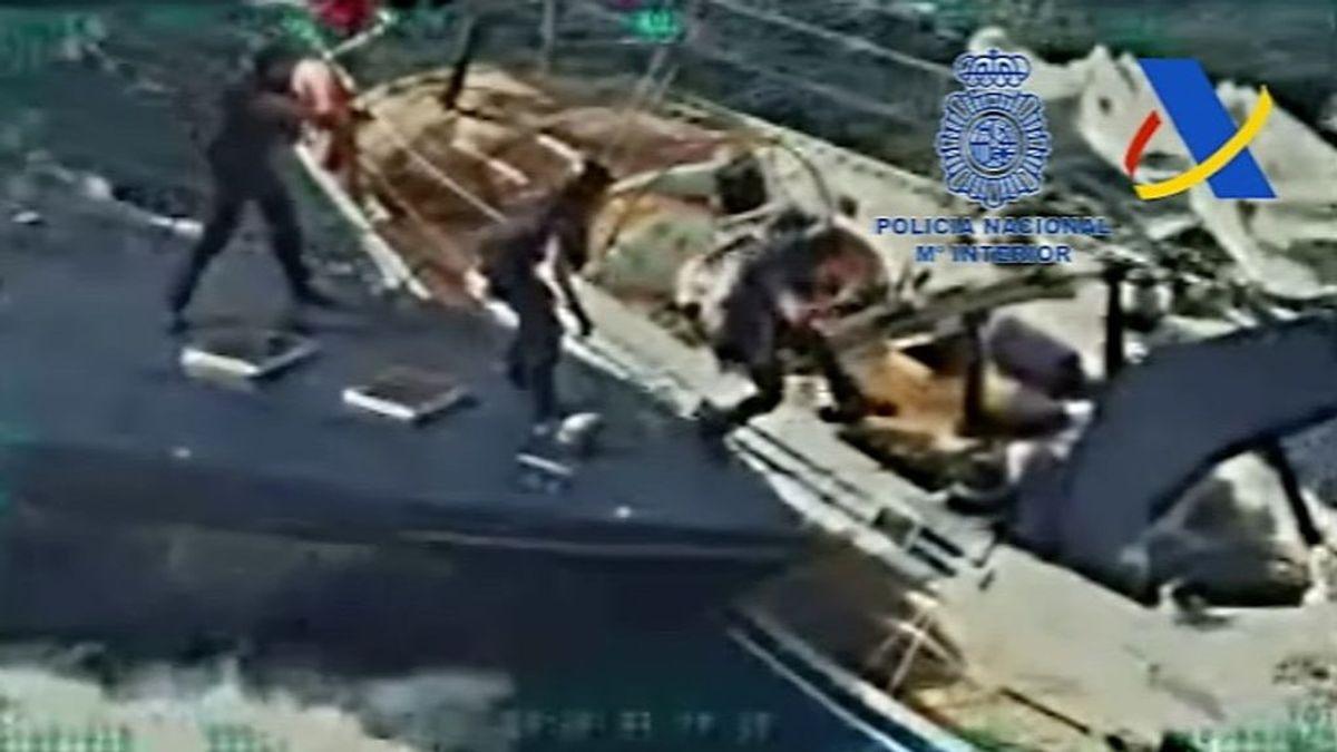 Al abordaje: la mayor operación contra el tráfico marítimo de hachís realizada en España