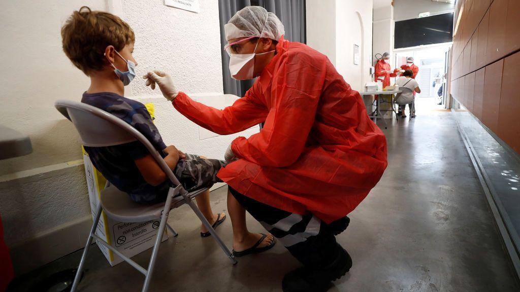 Los  adultos que conviven con niños también están especialmente protegidos frente al coronavirus
