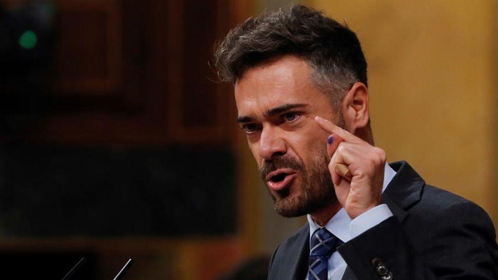 Felipe Sicilia, diputado del PSOE, defendiendo la comisión de investigación