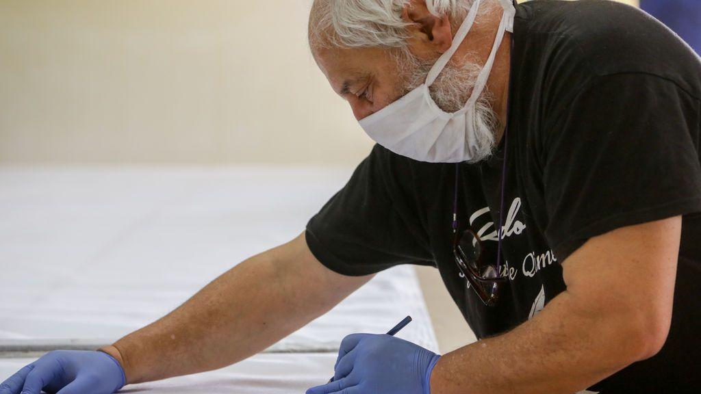 ¿Y si las mascarillas de tela no fueran tan buenas? Los hospitales del País Vasco y Galicia las vetan