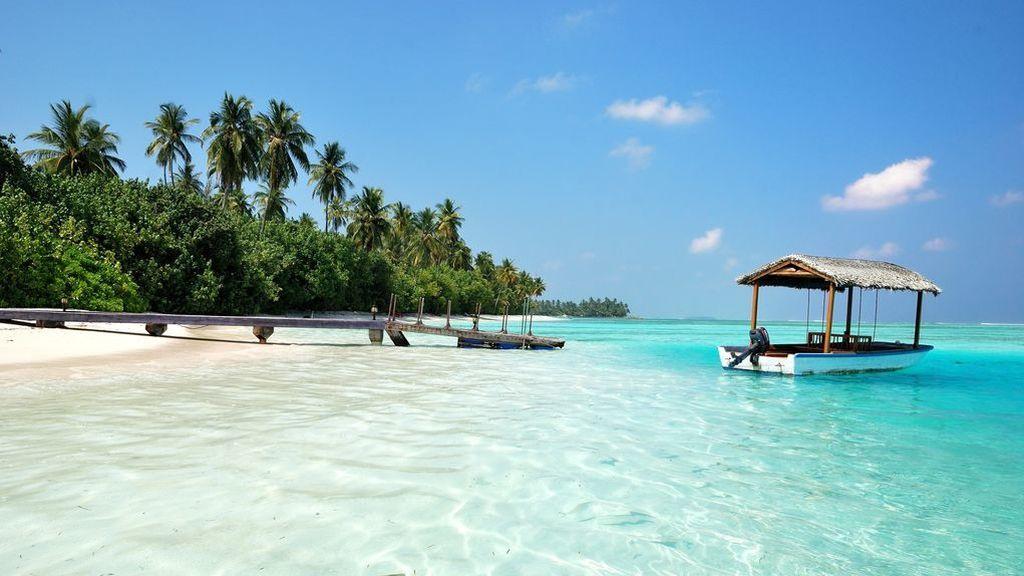 """Maldivas ofrece un trabajo de ensueño: ser """"librero descalzo"""" en un resort de lujo"""