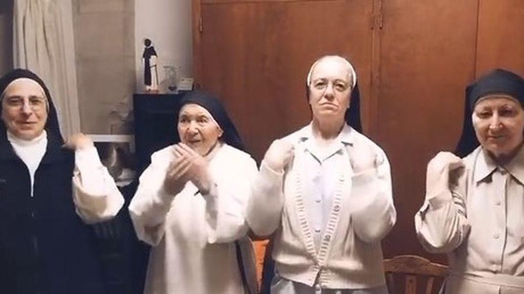 Cuatro monjas de Santa Clara de Manresa se suman al reto de TikTok de Jason Derulo bailando 'Savage Love'