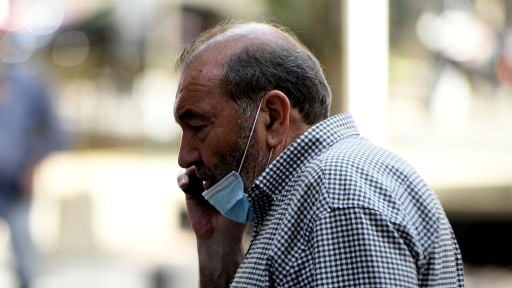 Llevar la mascarilla en la barbilla crea una falsa sensación de seguridad.
