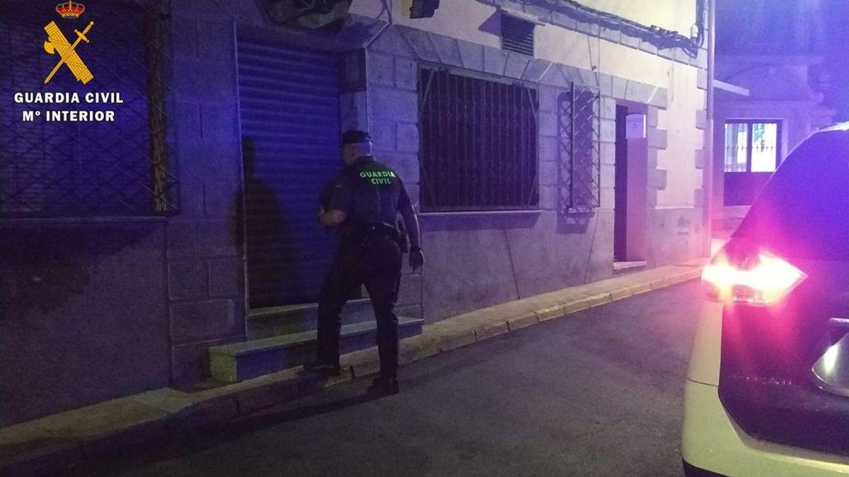 Fiesta, baile y descontrol en un bar de Sevilla: 45 personas desalojadas de un local por incumplir las medidas sanitarias
