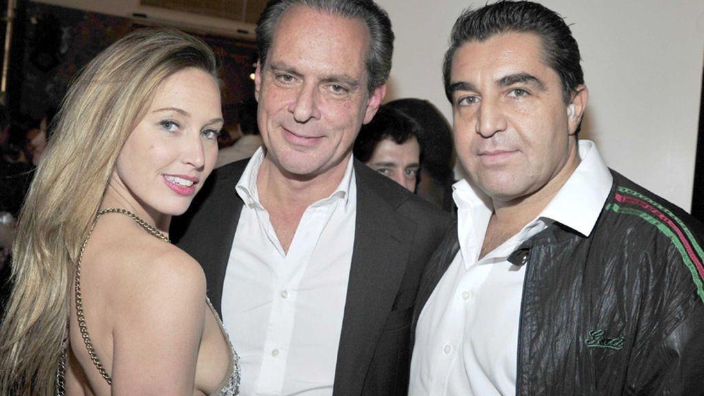 Paolo Zampolli (derecha), en una de sus fiestas
