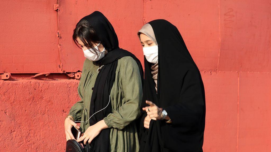 Ritmo ascendente de COVID-19 lleva a cierre actividades en Teherán