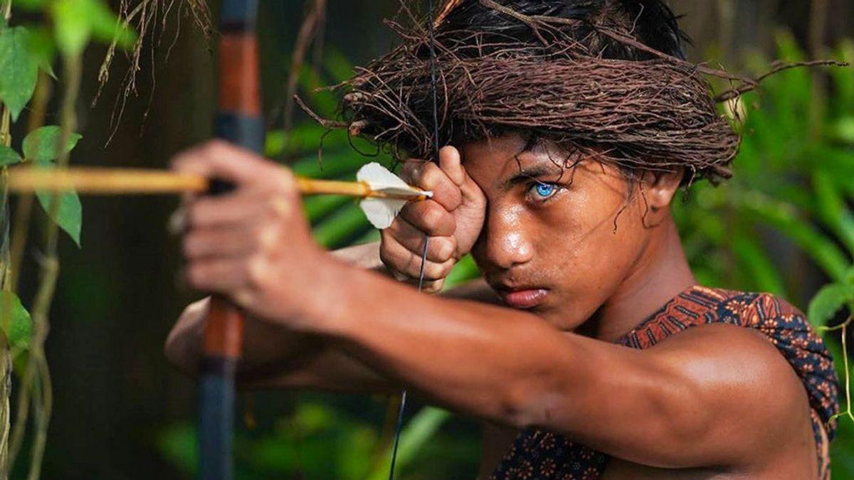 Ojos azules y brillantes: la rara mutación genética que afecta a una tribu de Indonesia