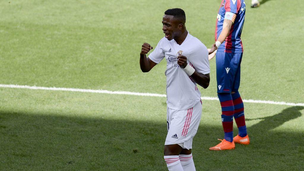 El Real Madrid vence, pero no acaba de convencer: victoria por la mínima ante el Levante  y convence ante el Levante