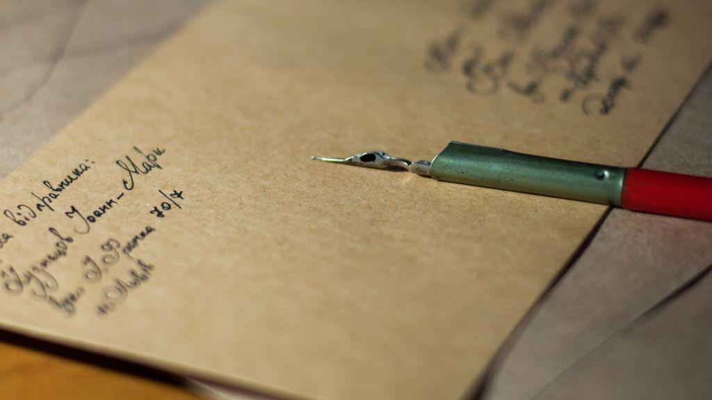 Coge papel y boli: todo lo que está perdiendo tu cerebro desde que has dejado de escribir a mano