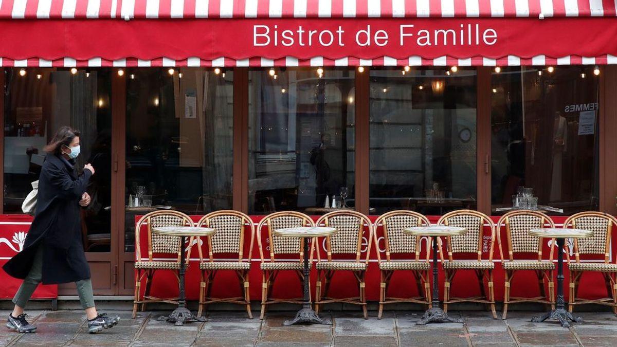 París cierra sus bares y se confina con unos índices que Madrid rebasó hace semanas