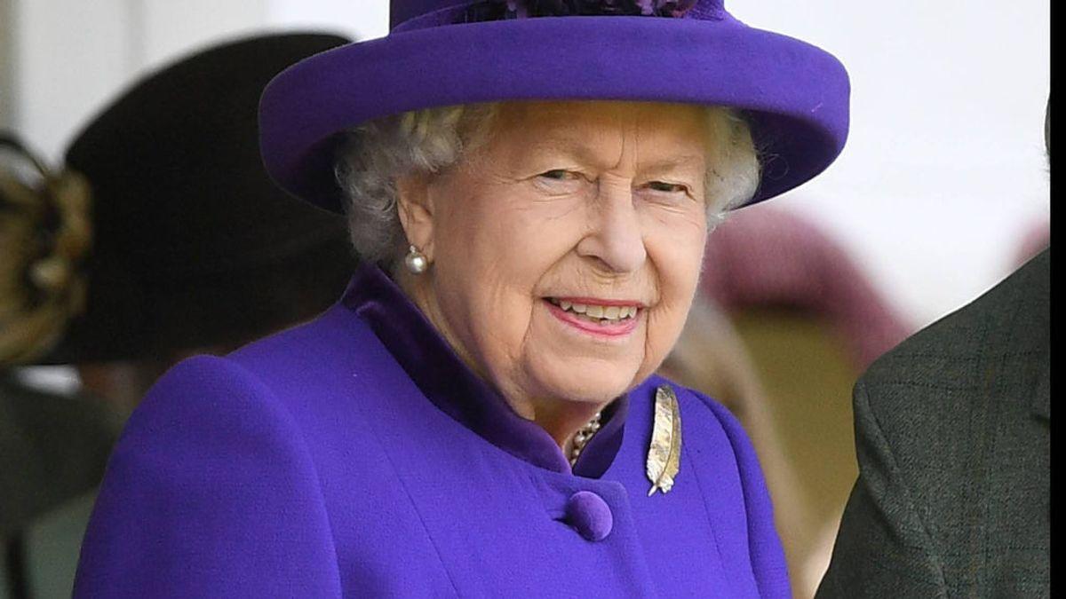 Southampton, Rayo Vallecano o Manchester: los clubes que 'copian' los 'looks' de la reina Isabel de Inglaterra