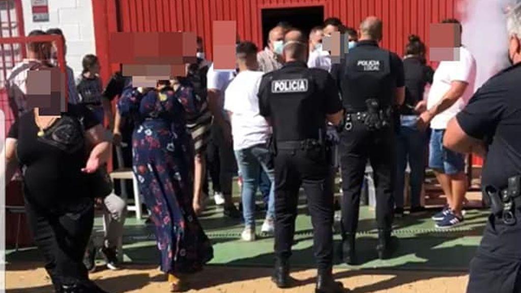 Desalojan a 200 personas de una fiesta privada sin medidas de seguridad en Almonte