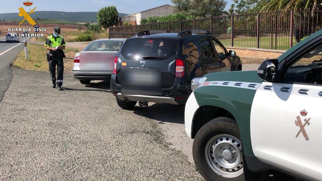 Agentes de la Guardía Civil durante el control de velocidad donde se producen los hechos.