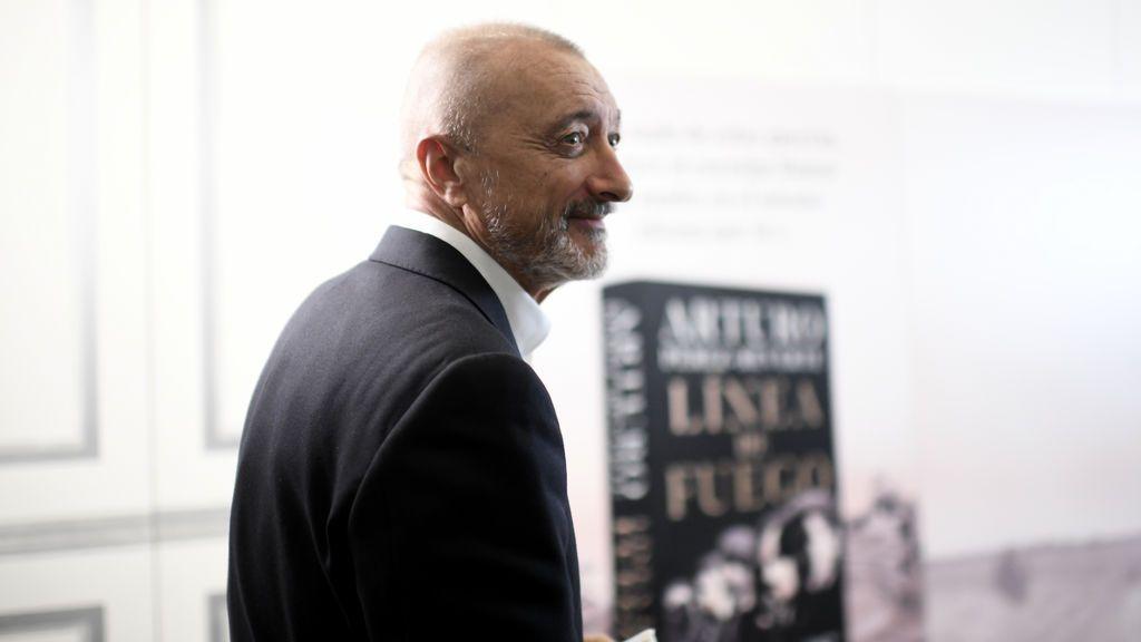 "Arturo Pérez-Reverte: ""Las críticas (a mi novela sobre la Guerra Civil) me producen cierto retorcido placer"""