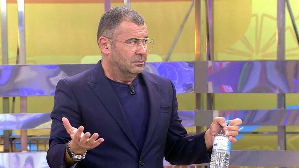 El presentador anuncia su decisión en el plató de 'Sálvame'