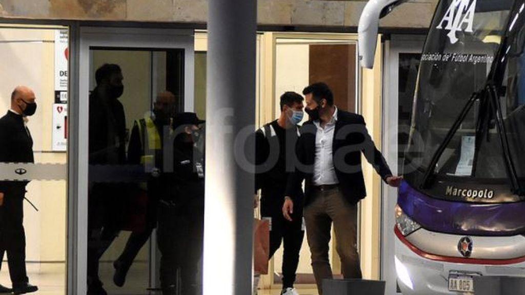 Luis Suárez junto a Leo Messi