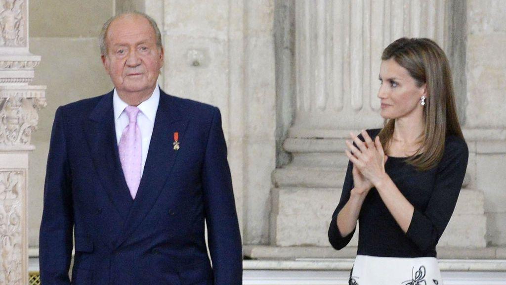 """Corinna destapa la mala relación entre Juan Carlos y Letizia: """"Él estuvo en contra, debieron ser años dificilísimos para ella"""""""