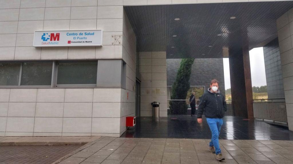 """Los centros de salud cogen aire: """"Parece que hay menos pacientes con covid, pero no estamos bien"""""""