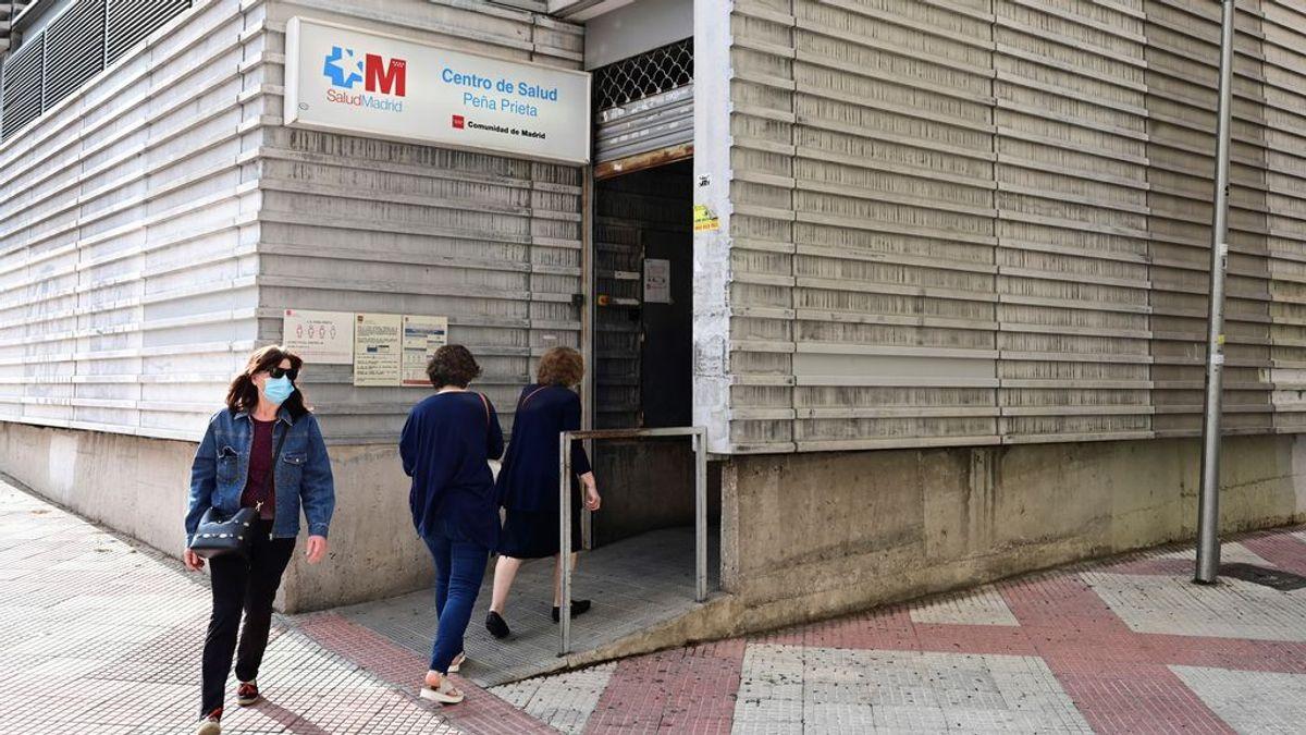 Madrid sube a 2.975 casos pero los hospitalizados caen a niveles de mitad de septiembre
