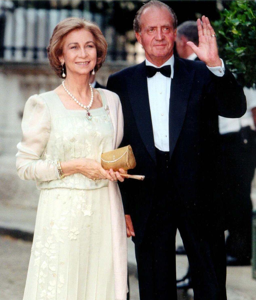 Sofía y Juan Carlos, en 1999, en la boda de la hija de Constantino de Grecia
