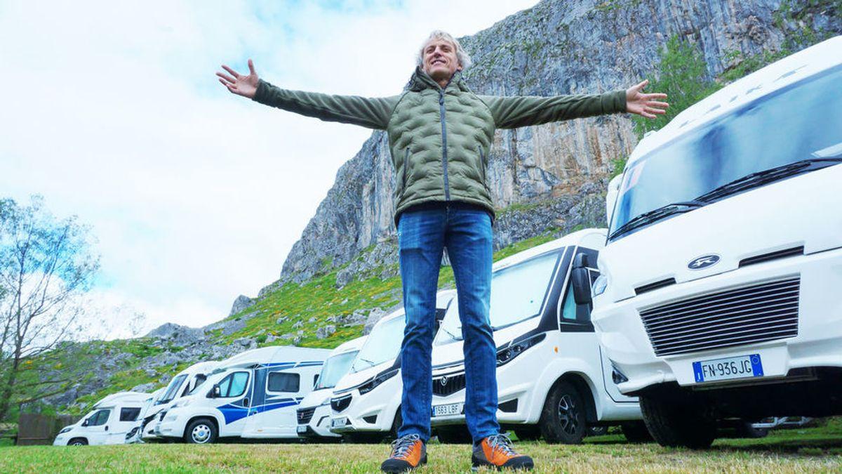 """La """"burbuja híper segura"""" en la que estuvo Jesús Calleja durante el rodaje de 'Volando voy': autocaravanas, una ambulancia y muchos test"""