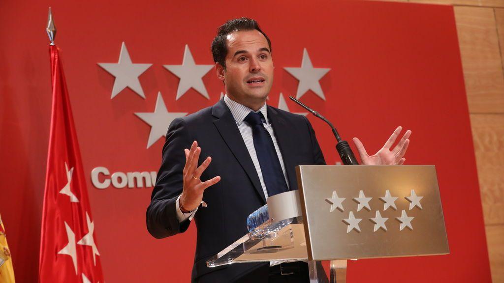 """""""No hay que lanzar las campanas al vuelo"""": Aguado discrepa con el PP sobre la situación de Madrid"""