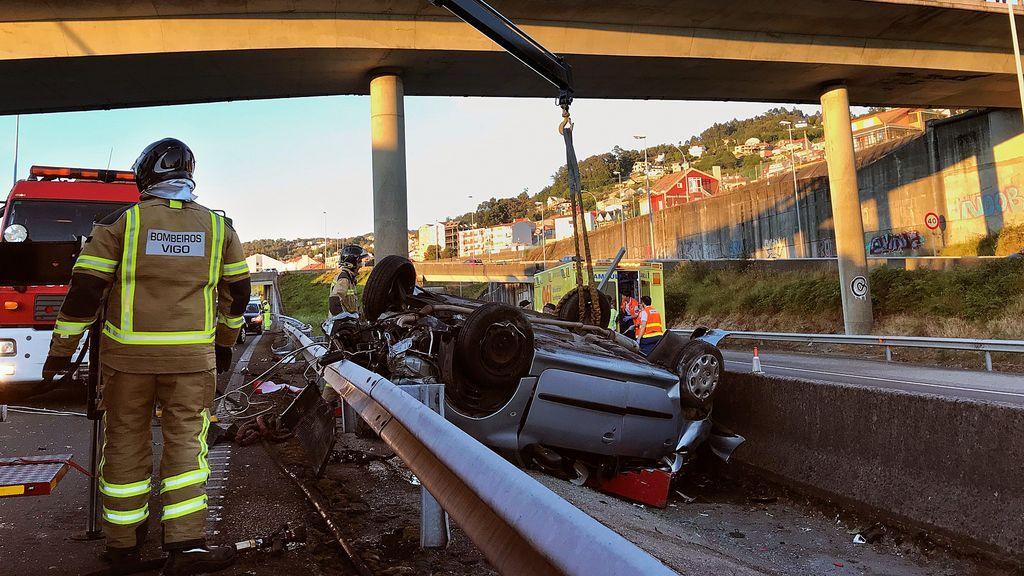 Multa de 2.250 euros y 15 meses sin carné para el conductor del triple accidente mortal en la AP-9 de Vigo