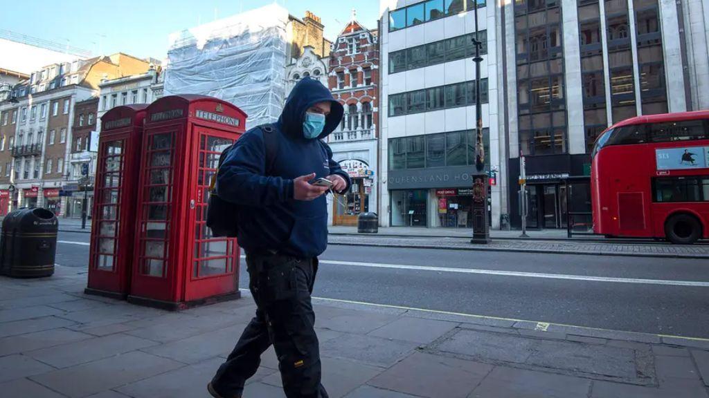 No, el coronavirus no es una gripe: en Gran Bretaña y Gales mata tres veces más