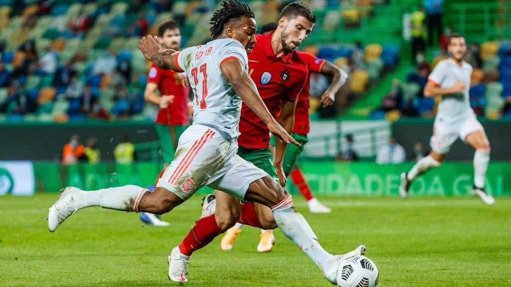 Adama Traoré debutó con la Selección ante Portugal.