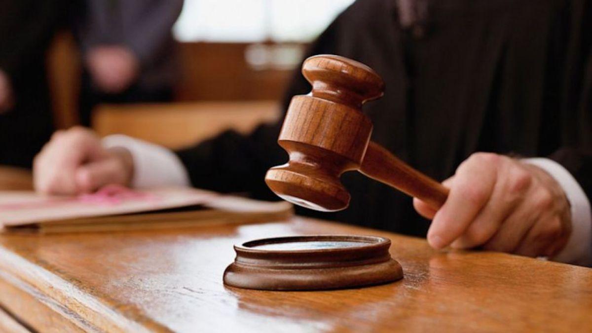 Una jueza recapacita: exculpa a una anciana condenada por la muerte de un motorista que duplicaba la velocidad
