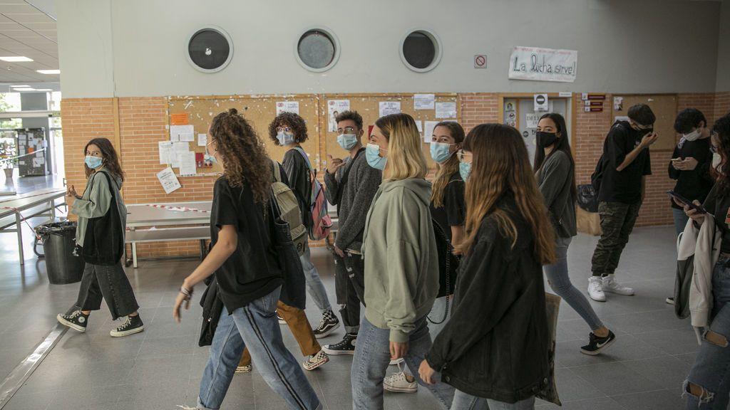 """Andalucía alerta del """"preocupante aumento"""" de contagios entre universitarios"""