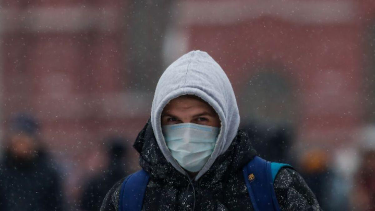 Europa marca récords y aún no ha llegado el temido frío que puede mutar al virus para peor