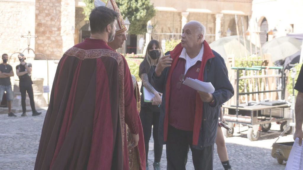 José Luis Moreno, en el rodaje de 'Glow and Darkness'