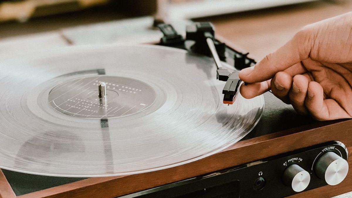Año 2020: los nuevos diseños de tocadiscos para disfrutar de los vinilos de siempre