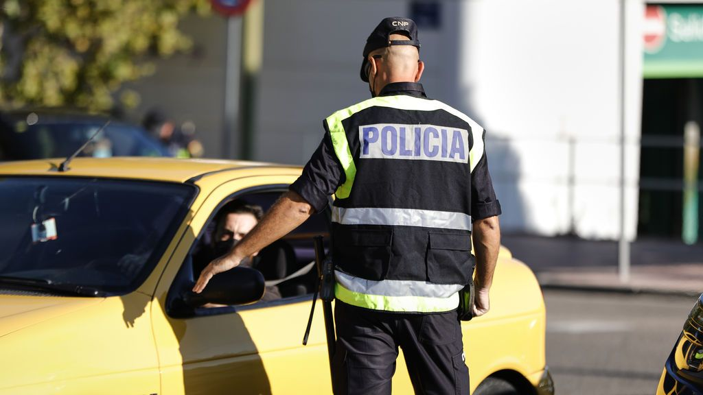 """Marlaska asegura que 7.000 policías se desplegarán """"de inmediato"""" en carreteras y estaciones de Madrid"""