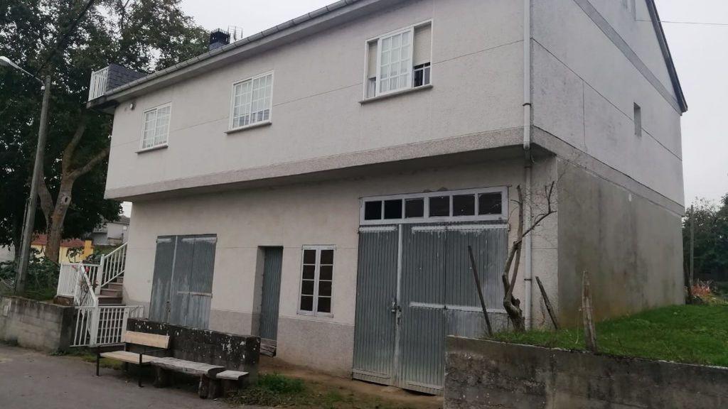 Detenido en una aldea de Ourense un fugitivo buscado por abusar sexualmente de su nieta