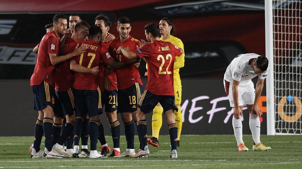 Un error de Suiza le deja en bandeja la victoria por la mínima a España (1-0)