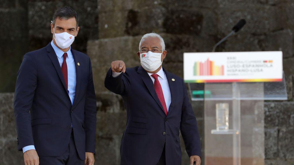 El presidente del Gobierno, Pedro Sánchez y el primer ministro portugués, António Costa