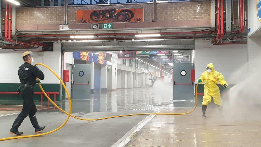 La UME inicia la desinfección preventiva del recinto de Mercabarna en Barcelona