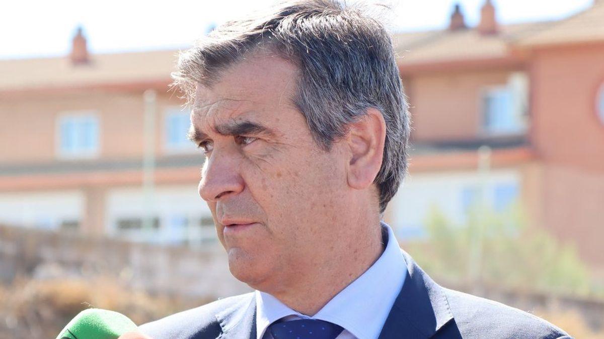 El senador del PP Antonio Román, dado de alta tras pasar varios días ingresado con coronavirus
