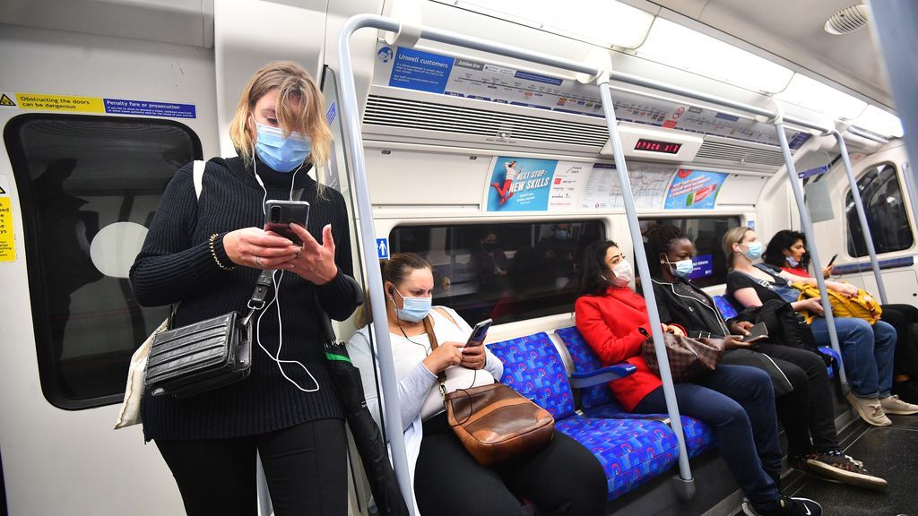 Reino Unido informa de 15.166 positivos, segunda cifra más alta desde que comenzó la pandemia