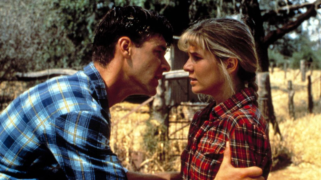 Danielle Spencer y Crowe en 'Crossing' (1990)