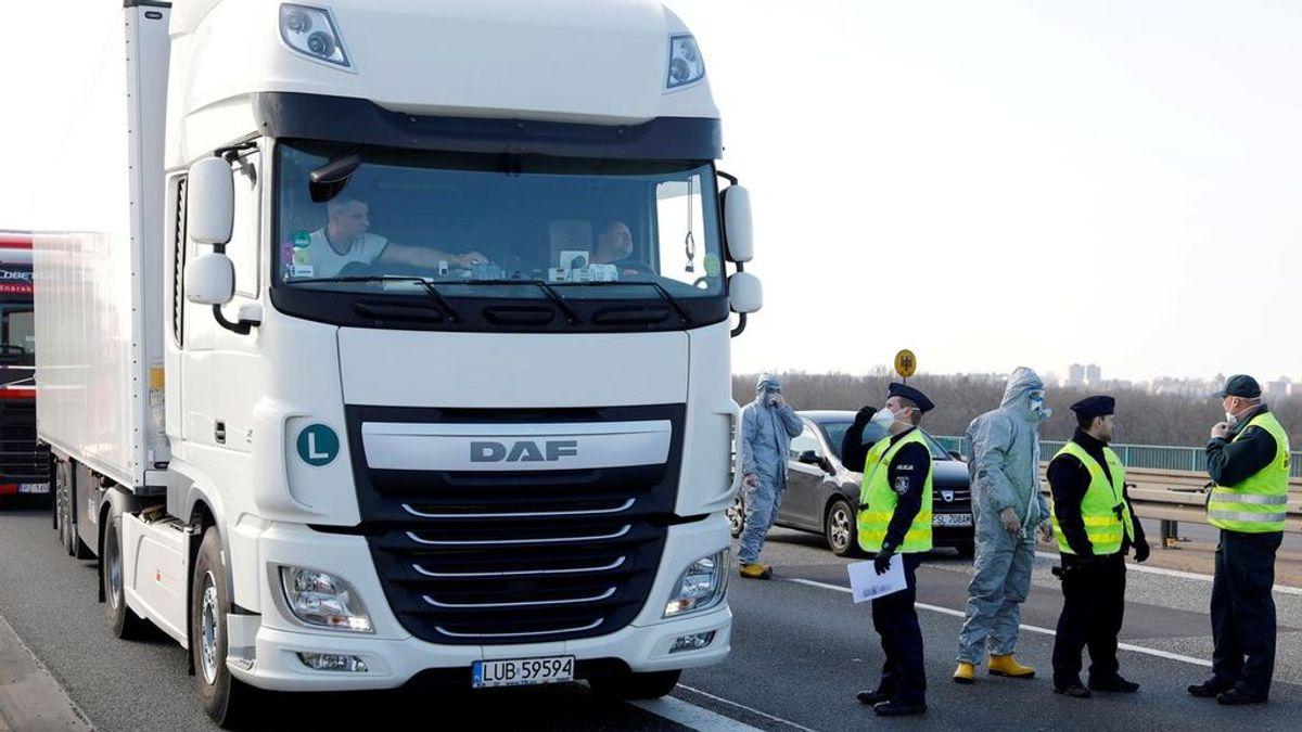 Ocho migrantes logran escapar de un camión en Alemania antes de asfixiarse