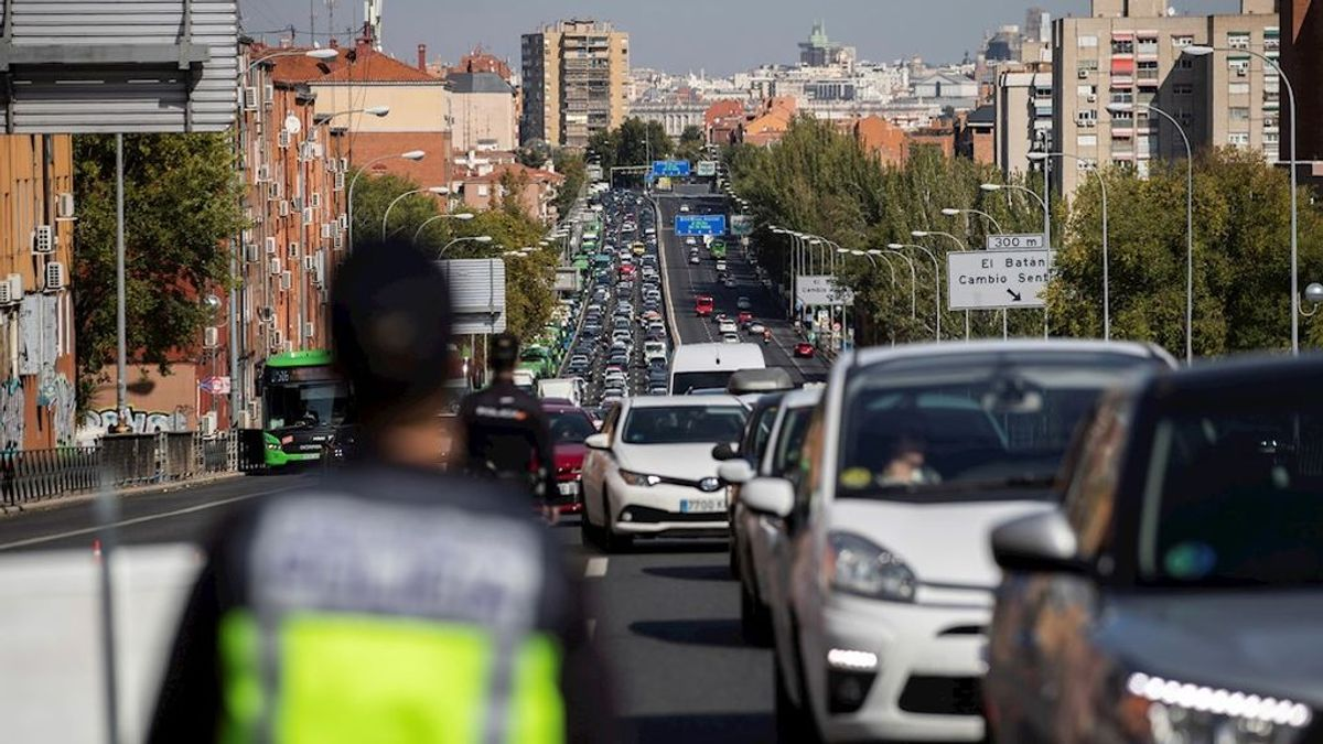Casi 80.000 coches salieron el pasado viernes de Madrid desde las tres de la tarde