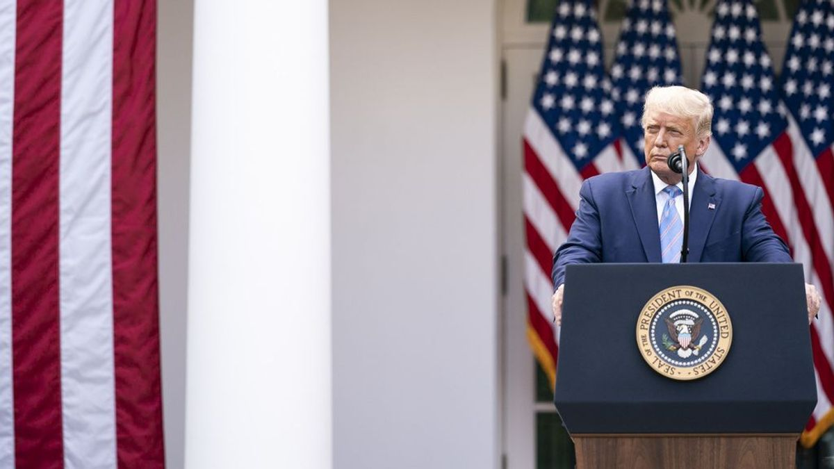 """Trump recibe el alta: ya no hay riesgo """"de que transmita el virus a otros"""""""